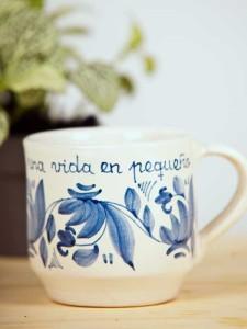 """Taza azul """"Un día""""2"""
