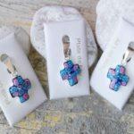 Cruz de murano pequeña multicolor