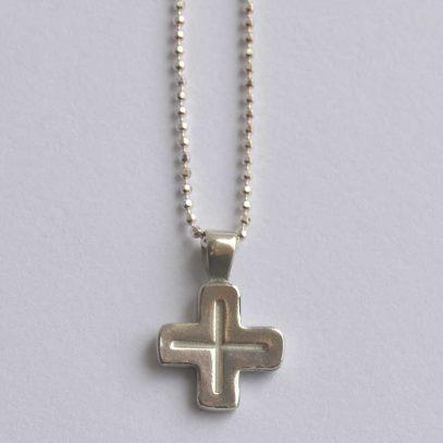 Cruz plata María