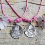 Medalla Virgen con Niña