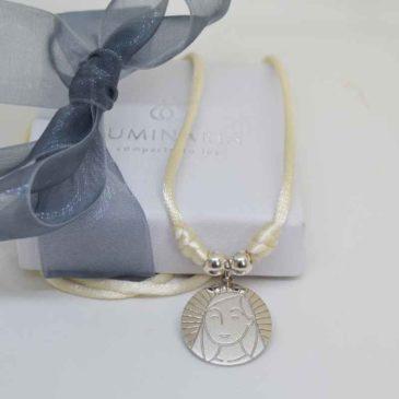 medalla de plata virgen niña