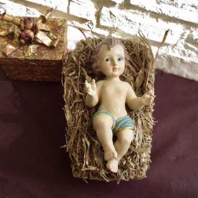 Niño Jesús en pesebre