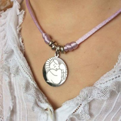 Medalla de Plata Angelito escondido