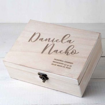 Cofre madera personalizado parejas
