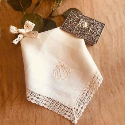 Pañuelo de bautismo bordado