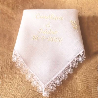 Pañuelo bordado Novia y amigas de la novia